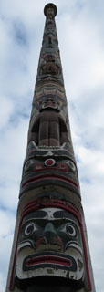 The totempole in Victoria Waters